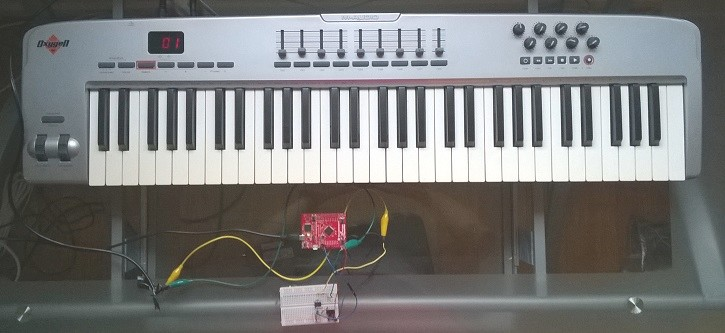 MIDI Keyboard, Tiva LaunchPad and Circuit
